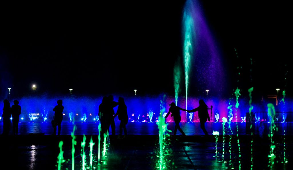 More than 800 lights illuminate the fountain outside Centennial Hall. The fountain can project streams of water up to 40 feet in height.