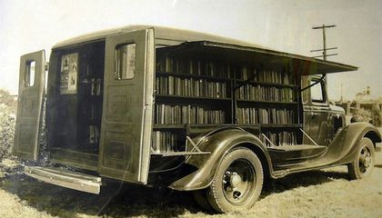 The Earliest Libraries-on-Wheels Looked Way Cooler Than Today's Bookmobiles