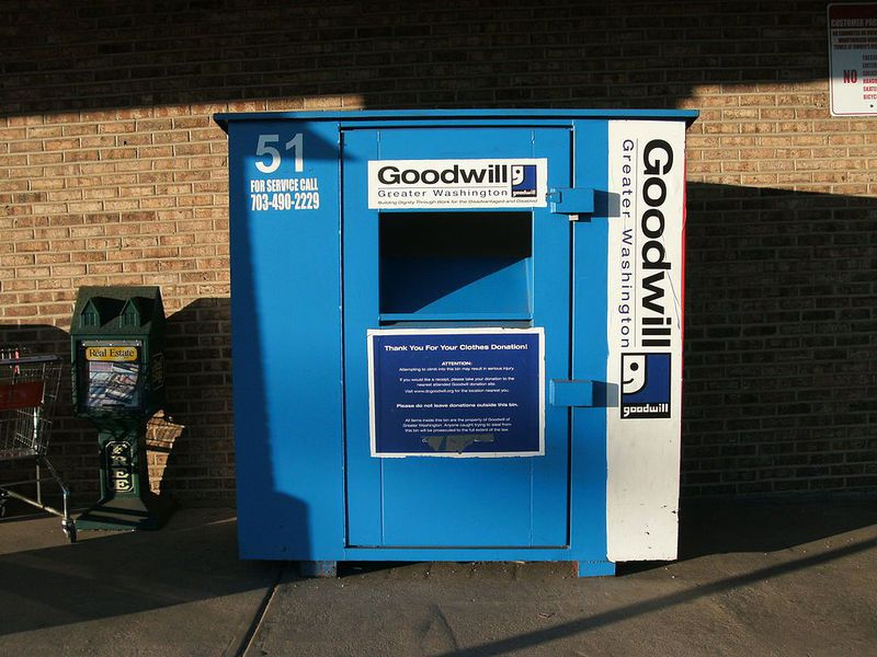 """Fake Clothing Drop Bins Use Your """"Charity"""" Donations To Make"""