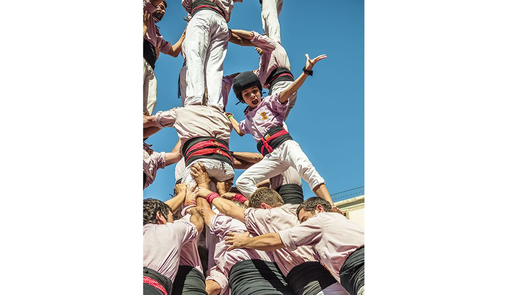 Sept. 20, 2015 - Barcelona, Catalonia, Spain - The Minyons de Terrassa celebrate a human tower during the city festival La Merce 2015 in front of the town hall of Barcelona.