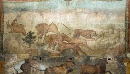 Newly Restored Pompeiian Frescoes Capture Hunting Scenes in Vivid Detail