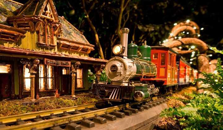 Eight Can't-Miss Holiday Toy Train Shows