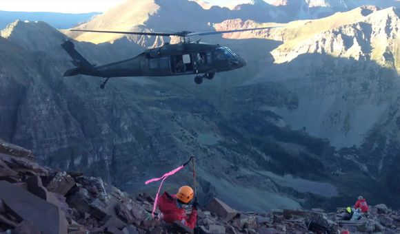 Preview thumbnail for video'Helicopter Rescue at 14,000 Feet