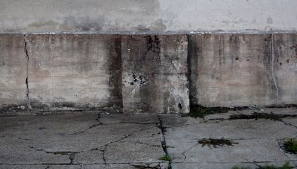 The Sun Can Heal the Cracks in This New Type of Concrete