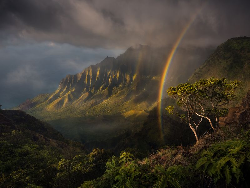 An incredible display of light and atmosphere over the mountains of Hawaii's oldest island, Kauai.