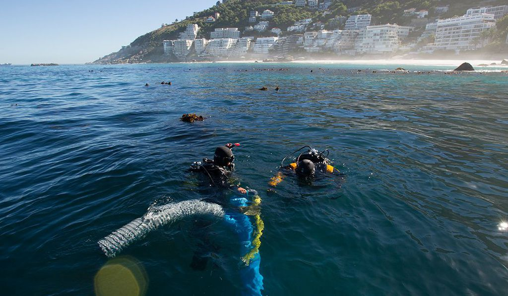 Underwater archaeology researchers on the site of the <em>São José</em> slave ship wreck near the Cape of Good Hope in South Africa.