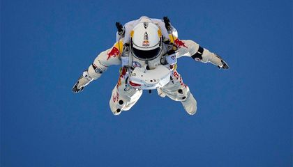 Skydiver Plans to Break the Sound Barrier by Jumping From 120,000 Feet