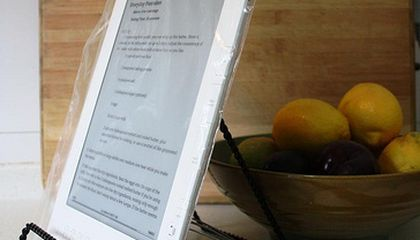 Traditional Cookbooks vs. E-Readers, Searches and Apps