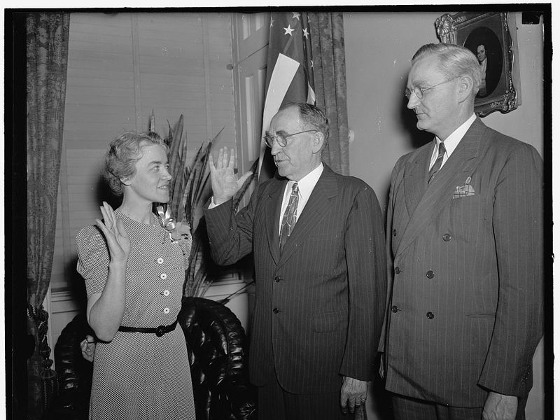 Margaret Chase Smith being sworn in