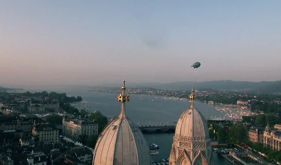 Preview thumbnail for video'Bayer Airship Over Zurich