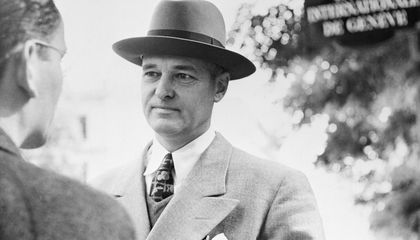 """George Kennan's Love of Russia Inspired His Legendary """"Containment"""" Strategy"""