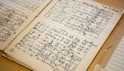 "Lost Manuscripts From Composer of ""The Planets"" Found in New Zealand"