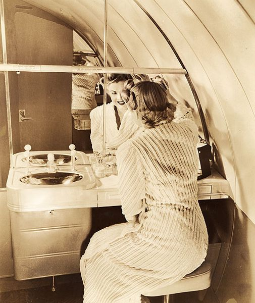 The Stratoliner made air travel smooother in 1940.
