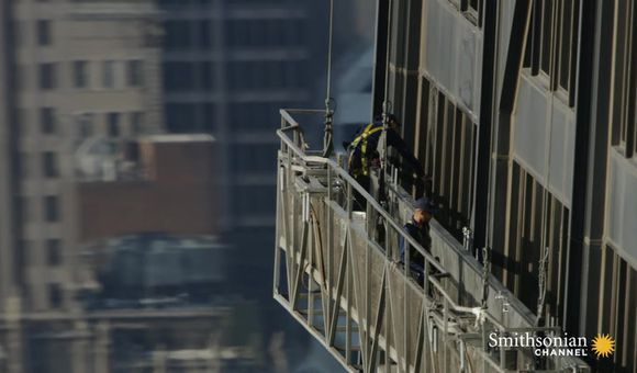 Preview thumbnail for video'Window Cleaning One of Chicago's Tallest Buildings