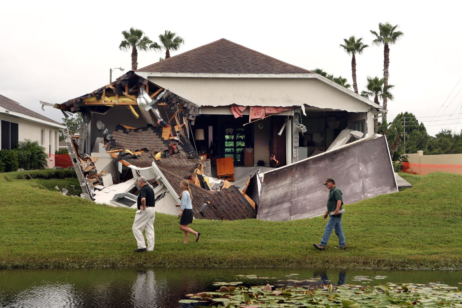 The Science Behind Florida's Sinkhole Epidemic | Science | Smithsonian