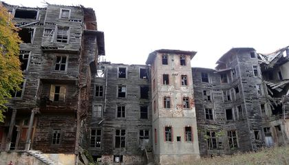 Preservationists Rally to Save Abandoned Casino-Turned-Orphanage in Istanbul