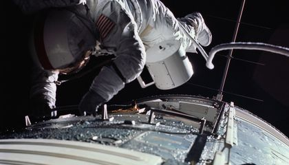 Ask the Astronaut: Why do astronauts experience zero-G en route to the moon?