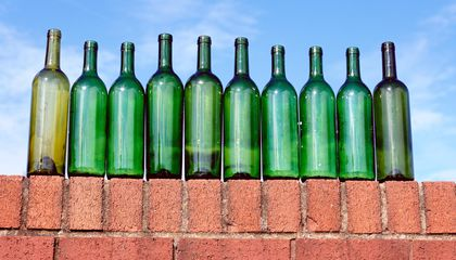 "During Prohibition, Vintners Sold ""Wine Bricks"" Rather Than Wine"
