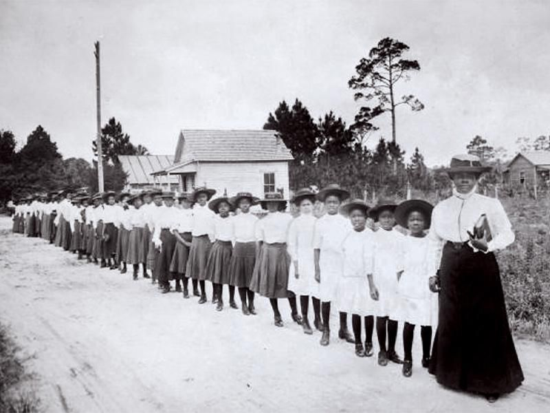 Mary McLeod Bethune with her pupils in Daytona, Florida, around 1905.