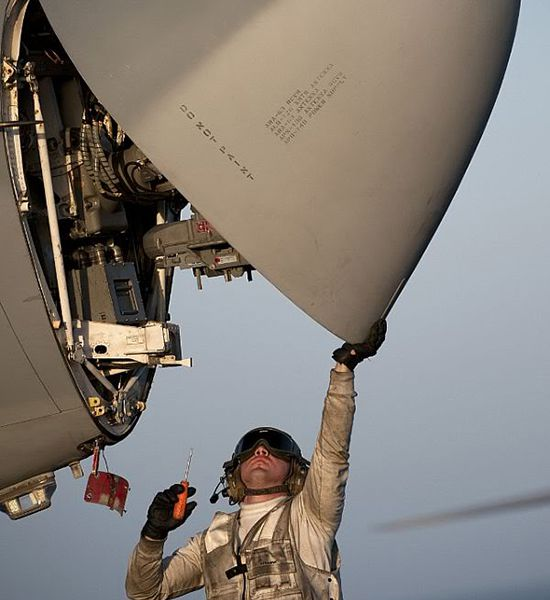 dod_aircraft_maintenance1.jpg