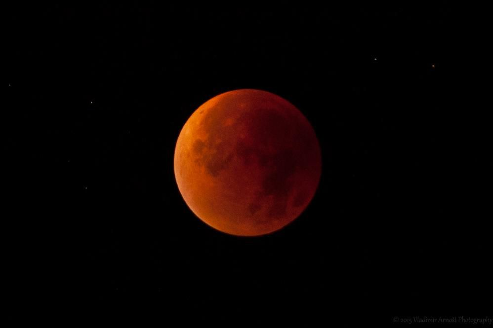the latest 0d5a6 6c8ac Don t Miss This Celestial Triplet  a Blue Moon, Supermoon and Lunar Eclipse.  January s second full moon will ...