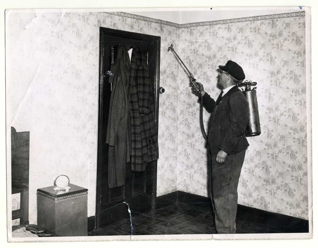 Disinfection spraying and removal of bedding to Millfields Station for steam disinfection, 1951