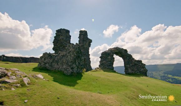 Preview thumbnail for video'Does Castell Dinas Bran Have an Arthurian Castle Resting Beneath?