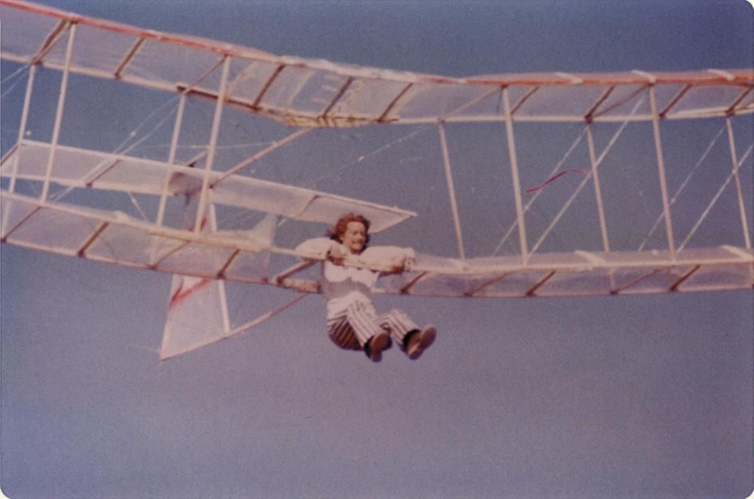 Born in the 1960s, The Sport of Hang Gliding Still Hangs On