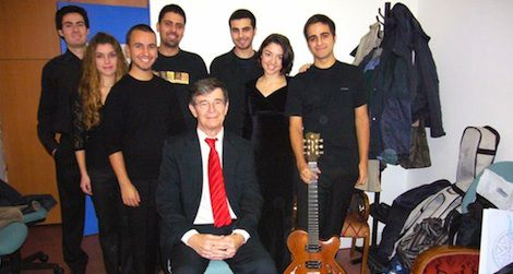 Darius Brubeck with students from Yildiz Technical University, Istanbul, 2007