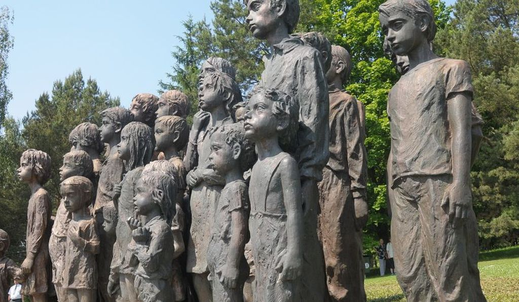 Eighty-two statues of children are depicted in Marie Uchytilová's