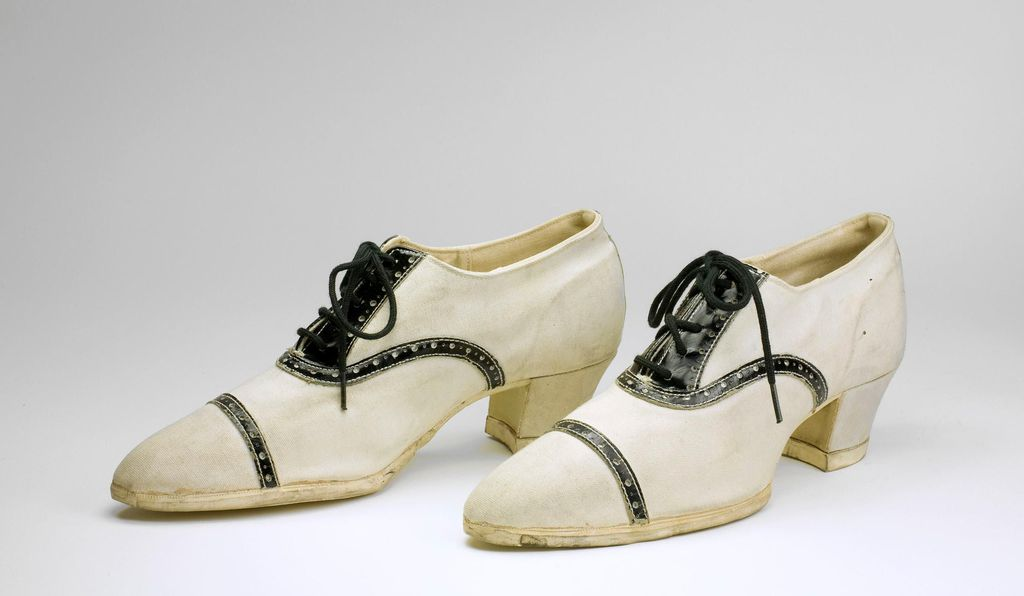 These high-heeled sneakers from 1925 were supposed to strike a compromise: