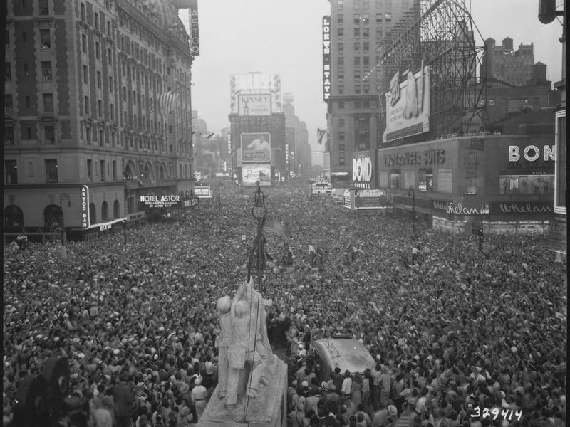 VJ-day-in-Times-Square