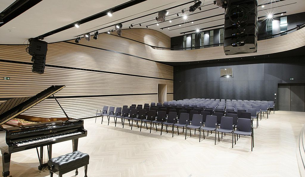 A newly initiated amenity of the Arlberg1800 resort, the Arlberg Art and Concert Hall gives the resort's residents a glimpse into the cultural heritage of the area through art and music.