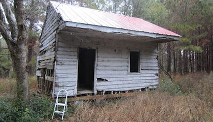 Slave Cabin Set to Become Centerpiece of New Smithsonian Museum
