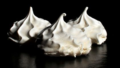 Meringue Chemistry: The Secrets of Fluff