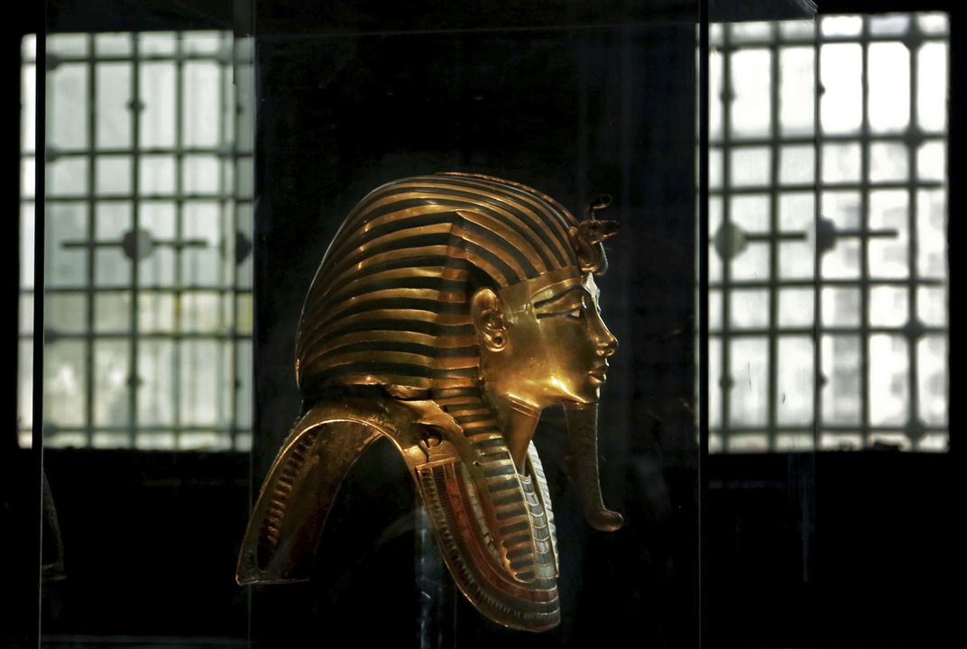 How do you move King Tut's stuff?