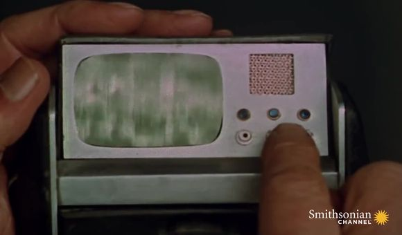Preview thumbnail for video'The $10 Million Race to Invent Star Trek's Tricorder