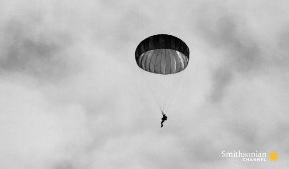 Preview thumbnail for video'This Ex-Trapeze Artist Made Parachutes Safer
