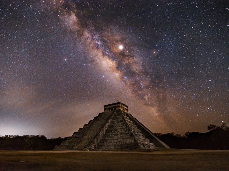 The Mayan Culture has many constructions all over the Yucatan Peninsula, Chichen Itzá is one of the main ceremonial centres of this civilization, and during spring, very few minutes before the sunrise, the milky way crows the castle. And after hundreds of years, this phenomenon is still alive in present day. The Mayan Magic