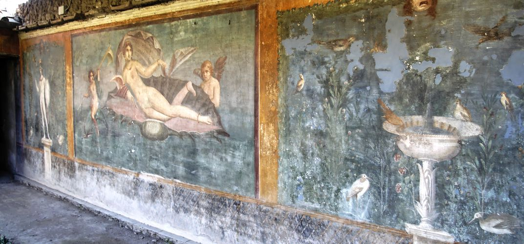Painted wall found in Pompeii