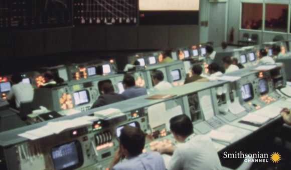 Preview thumbnail for video'A deadly leak on Apollo 13 endangers the entire mission