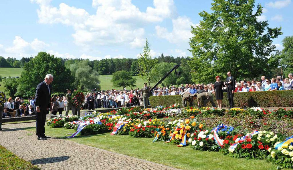 On the 75th anniversary of the massacre, mourners gathered to remember those killed in Lidice.