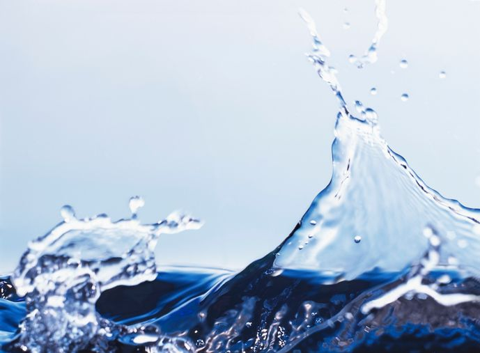 Image of water splashing