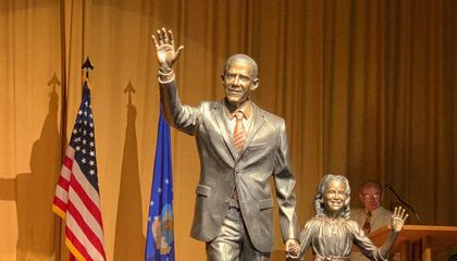 South Dakota's City of Presidents Unveils Obama Statue