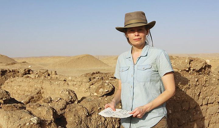 Egyptologist Jacquelyn Williamson on site at Tell el-Amarna. Williamson will lead an all-day seminar for Smithsonian Associates on April 10 examining the site's latest discoveries.