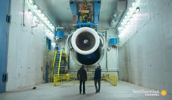 Preview thumbnail for video'Admiring the Power and Innovation of a 747 Engine