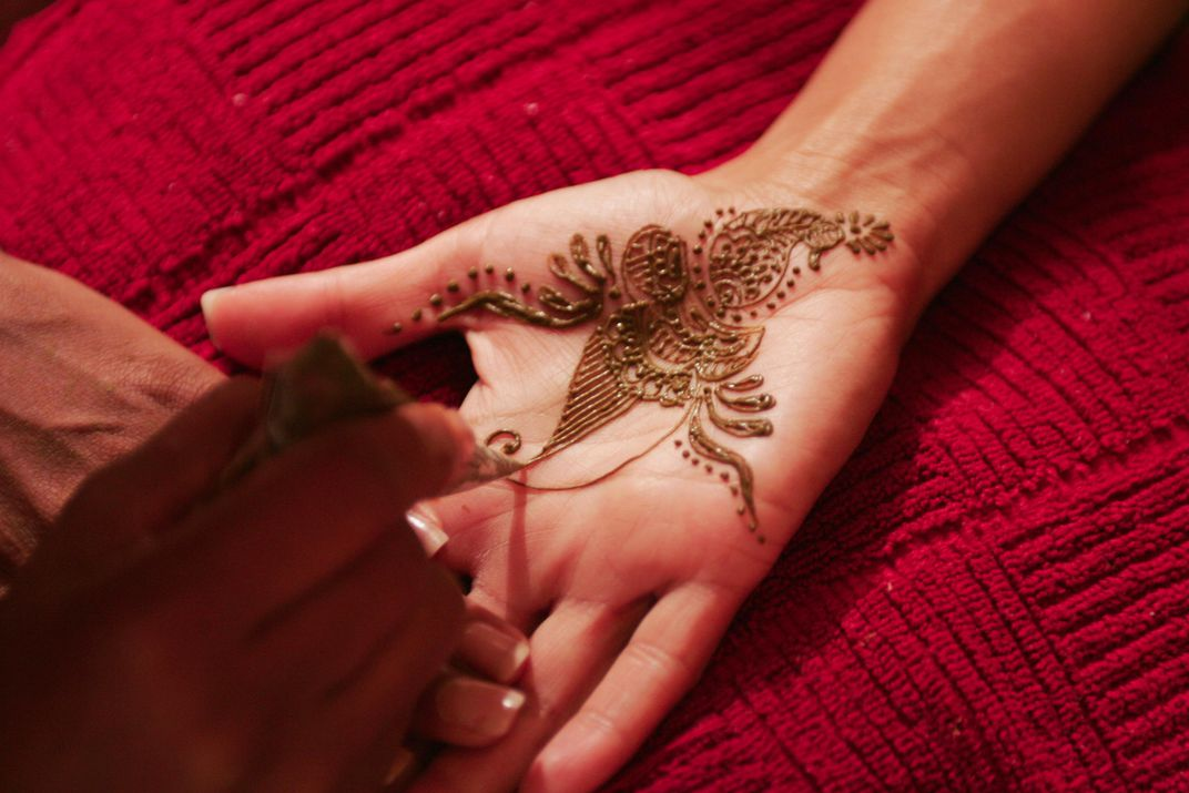 A Quest to Master the Art of Henna | Travel | Smithsonian