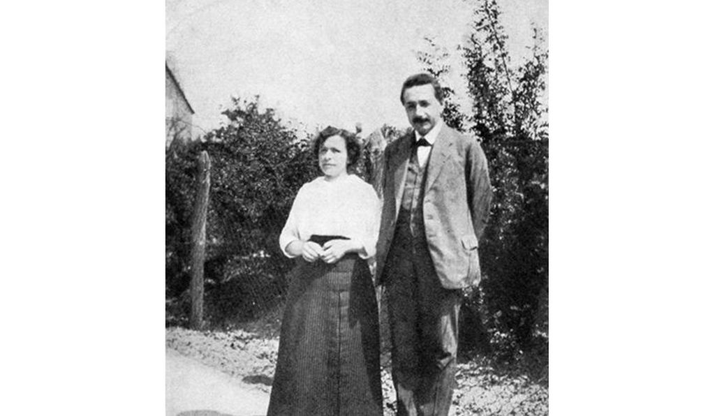 Albert Einstein (right) and his ex-wife, Mileva Marić (left) had two sons, whom he hoped to financially support by speaking at additional lectures in the U.S.