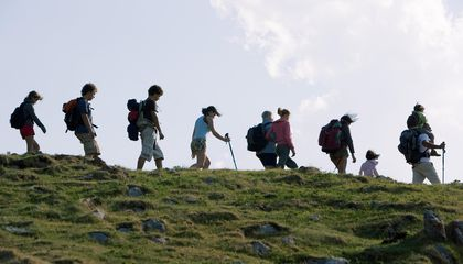 Like Ants, Small Backpackers Are Adept at Carrying Proportionally Heavier Loads