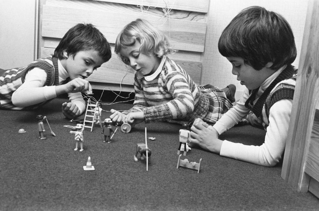 kids with playmobil 1980.jpg